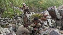 Askerlerin merhametini görünce teslim oldular, mağaradan gözyaşlarıyla çıktılar