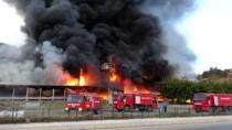 İstanbul'da AVM yangını! Vatandaşlar kendini dışarı attı