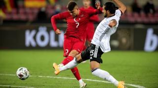 Almanya-Türkiye maçında Emre Can'dan skandal hareket