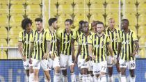 Beşiktaş maçı öncesi Fenerbahçe'ye, Samatta'dan kötü haber!
