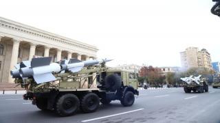 Azerbaycan'daki askeri geçit töreni