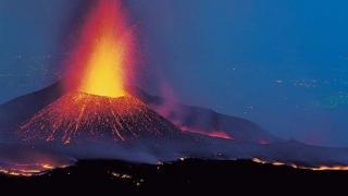 Etna yanardağı patlaması izle - Etna yanardağı nerede?