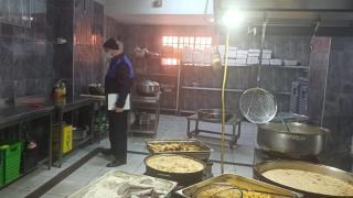 Tuzla'da zabıta ekipleri gıda tacirlerine geçit vermedi