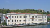 Galatasaray Üniversitesi Öğrenci Alacak .