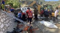 Isparta-Antalya yolunda can pazarı: 2 ölü 1 ağır yaralı