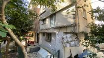 Balkon büyük bir gürültüyle çöktü! Mahalleli sokağa döküldü