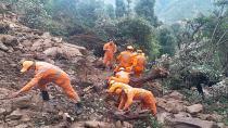 Nepal ve Hindistan'ı vuran sel ve heyelan felaketinde can kaybı 198'e ulaştı
